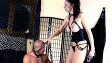 Une lingerie cochonne pour soumettre son homme à ses désirs